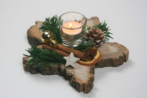 Holzstern dekoriert gold