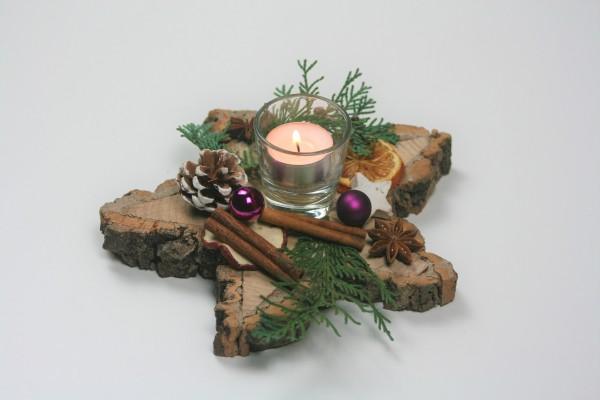 Holzstern dekoriert lila